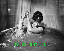 "GINA LOLLOBRIGIDA 8X10 Lab Photo '59 ""SOLOMON & SHEBA"" Sexy Bath Beauty Portrait"