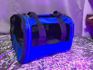 Small dog/cat carrier (up to 16 lbs.)~Black/Blue~Soft sided w/Shoulder strap