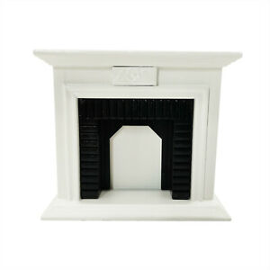 Dollhouse Wooden 1:12 Scale Fireplace Miniature Furniture Room Decoration