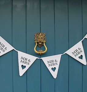 Mr and & Mrs White Wedding Bunting Scalloped Heart Card Bunting Banner Garland
