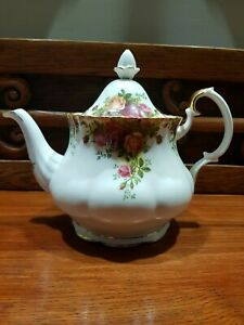 royal albert old country roses teapot - never used! PC