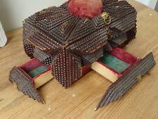 T5666 Kleine, alte Kiste | Tramp ART Box mit Geheimfächer | Schubladen um 1890