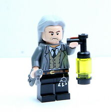 LEGO 4842 Harry Potter Hogwarts Castle Argus Filch Minifigure with Key/Lantern