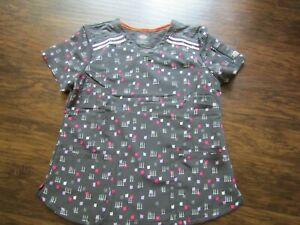 PREOWNED DICKIES BRAND WOMEN'S SCRUB TOP SIZE XLARGE-GRAY PATTERNED