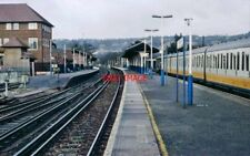 PHOTO  OXTED  RAILWAY STATION L.N.   205 UNIT TO UCKFIELD. - CONEX LIVERY - RIGH