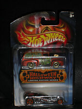 2003 Halloween Highway 1:64 Hot Wheels Set Of 2 - '56 Ford & Surf Crate