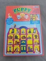 Puppy in my Pocket - Ausstellung / Schaukasten / Haus / Setzkasten - Hasbro NrfB