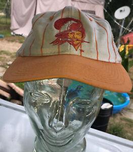 Vintage TAMPA BAY BUCCANEERS Snapback Hat 90s Orange /white