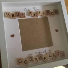 Sólo los mejores amigos obtener promovido a madrina Scrabble Tile padrinos/marco.