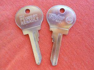 2 Peugeot 304 504 604 Renault R12 R17 LECAR IGNITION KEY BLANKS 1971 - 1979  X12