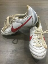 Boys Size 1 White & Red NIKE Footy Boots / Shoes *Great Con*