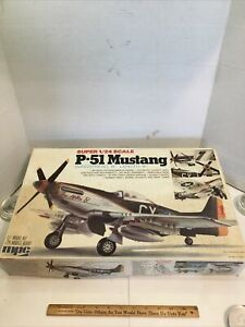 MPC 1:24 Scale North American P-51 Mustang Kit No. 2-3505 Model Kit open box