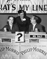 """JOHN DALY & FAYE EMERSON ON """"WHAT'S MY LINE?"""" - 8X10 PUBLICITY PHOTO (ZZ-407)"""