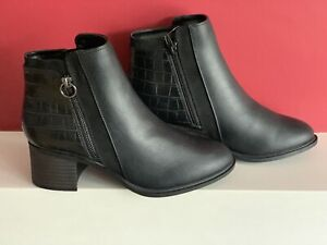 NEXT FOREVER COMFORT BLACK BLOCK HEEL CHELSEA BOOTS size U.K. 4 new with tags