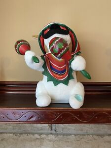 Animated Mariachi Chihuahua Puppy Singing Macarena Plush Music Shaking Maracas