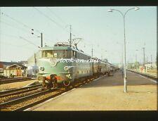 C1532 - Dia slide 35mm original: chemin de fer France, SNCF loc 16019, 1972