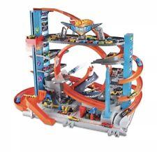 Hot Wheels Ultimate Garage Tower Shark Loop Racetrack, 2 Vehicles Set NEW