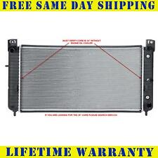 Radiator For Chevrolet Silverado 2500 HD GMC Sierra 1500 2423