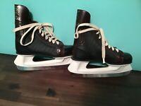 Vintage American Wildcat size 3 men's hockey ice skates - Very Nice Condition !