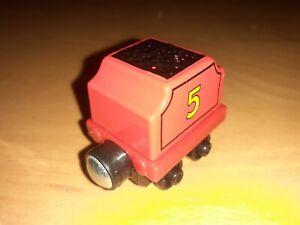 Thomas & Friends Die-Cast Magnetic James Tender Carriage J09A