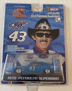 1970 Plymouth Superbird Richard Petty Die-cast Car Racing Champions 1:43 Scale