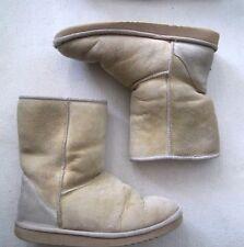 Ladies Tan Classic Short Ugg Australia Sheepskin Boots size 8
