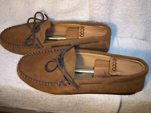 Minnetonka 913 Moccasins sz 12 Brown Leather Lightweight Slippers Nub Soles