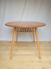 Vintage/Retro Up to 4 Seats Oval Kitchen & Dining Tables