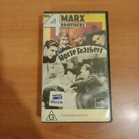 THE 4 MARX BROTHERS - HORSE FEATHERS VHS VIDEO IN VERY GOOD CONDITION