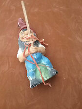 Gartenzwerg, Angler, schwarzer Bart, uralt, beschädigt, 32 cm,  Vintage