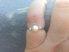 14K WHITE GOLD RING SET WITH PEARL AND DIAMONDS- Size O1/4