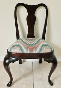 Adorable Vintage CHILD'S Size Solid Mahogany Wood Queen Anne Dining Side Chair
