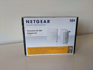 NETGEAR Powerline Network AV 200 MBPS Adapter Kit XAVB2001 w/ CD.