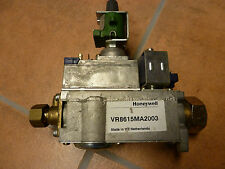 Buderus Honeywell Gasregler Kombiventil U 104  11 Kw VR 8615 MA 2003 2