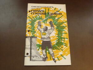 1974-75 CHICAGO COUGARS  WHA HOCKEY MEDIA GUIDE EX-MINT