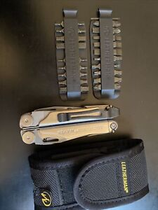 Leatherman Wave Multi tool with attachments