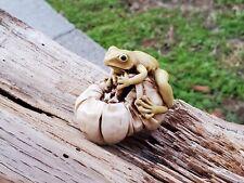 Harmony Kingdom David Lawrence Frog on Pimento Marble Resin Figurine