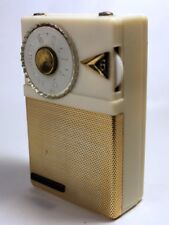 Magnavox Companion AM-23 Transistor Radio (white)