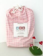 Cot Fitted Sheet in 300TC Organic Cotton - Pink Scribble
