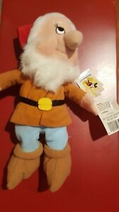 a Disney Holiday Happy Mini Bean Bag Beanie NWT from Snow White & the 7 Dwarfs