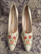 Vintage Ladies Shoes Wedding pinpoint hand stitched Neiman Marcus  8 1/2aaaa