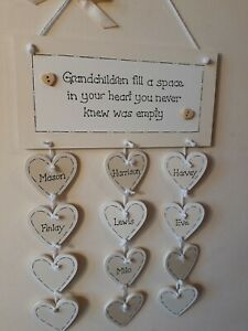 PERSONALISED GRANDCHILDREN 12 HEART KEEPSAKE FAMILY PLAQUE