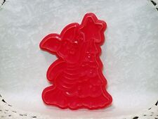 "Plastic Cookie Cutter Disney Wilton Winnie the Pooh ""Piglet Decorates the Tree"""