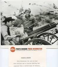 Iron Horse Dale Robertson Gary Collins Gatling Gun Original 1967 Abc Tv Photo