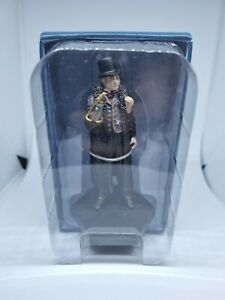 Official Licensed Merchandise Doctor Who Figurine Collection Half-Face Man Hand