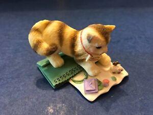 Enesco 683213 Calico Kittens 2000 Mini Search for Fulfillment Kitty Cat Miniatur