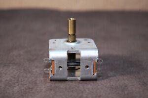 Capacitor Air Variable 50/100 pf 6:1 Vernier