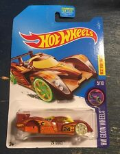 2017 HOT WHEELS TREASURE HUNT 24 OURS M Case Error Defect mistake Missing Wheels