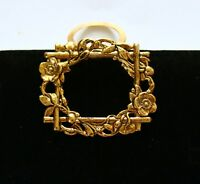 BROOCH vintage, gold-tone metal, brooch clip, flower frame shape