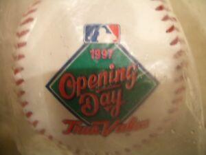 WOW!! NEW YORK YANKEE SOUVENIR OPENING DAY 1997 BASEBALL MINT/SEALED!! L@@K!!